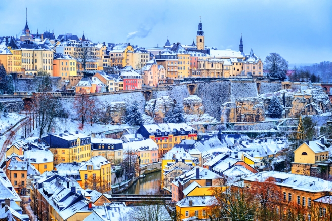 201500000084-old-town-of-luxembourg-city-snow-white-in-winter-europe